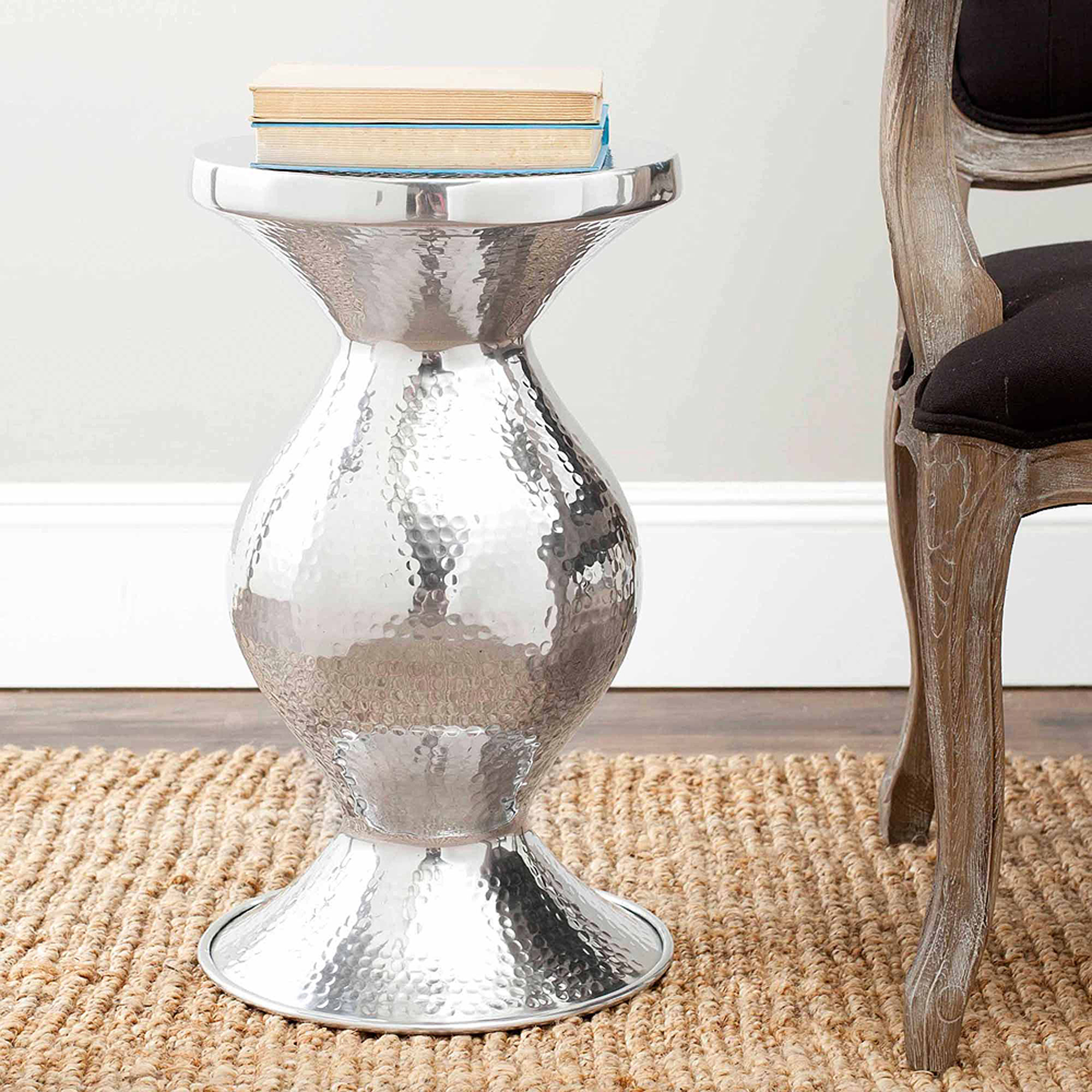 Safavieh Astrid Polished Aluminum Small Hammered Stool, Silver by Safavieh