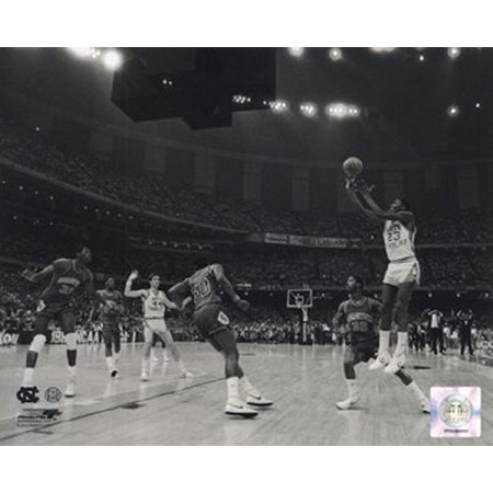 Michael Jordan North Carolina Game Winning Basket 1982 Ncaa Finals Photo 8x10, Size - 8 x 10 By Photo (1982 Photo Press)
