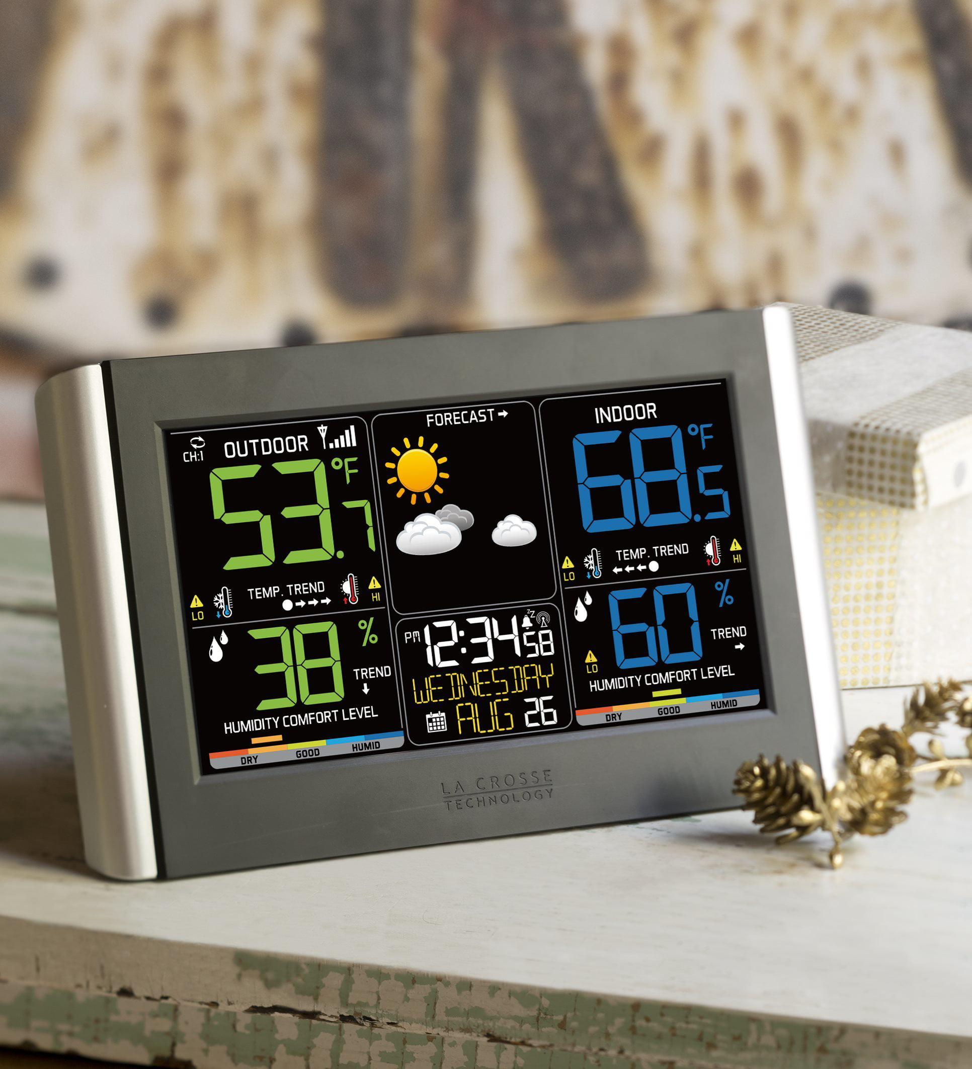 La Crosse Technology Horizontal Color Wireless Weather Station by Problem Solvers