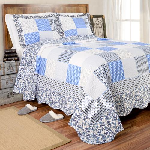Pegasus Home Fashions Vintage Gardenia Quilt Set