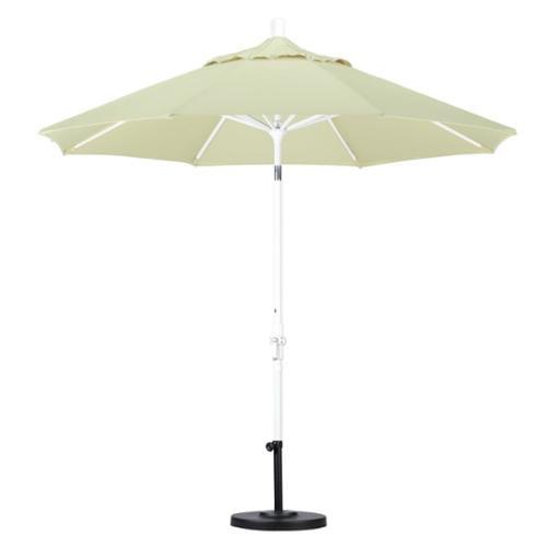 California Umbrella 9 Market Patio Umbrella in Natural