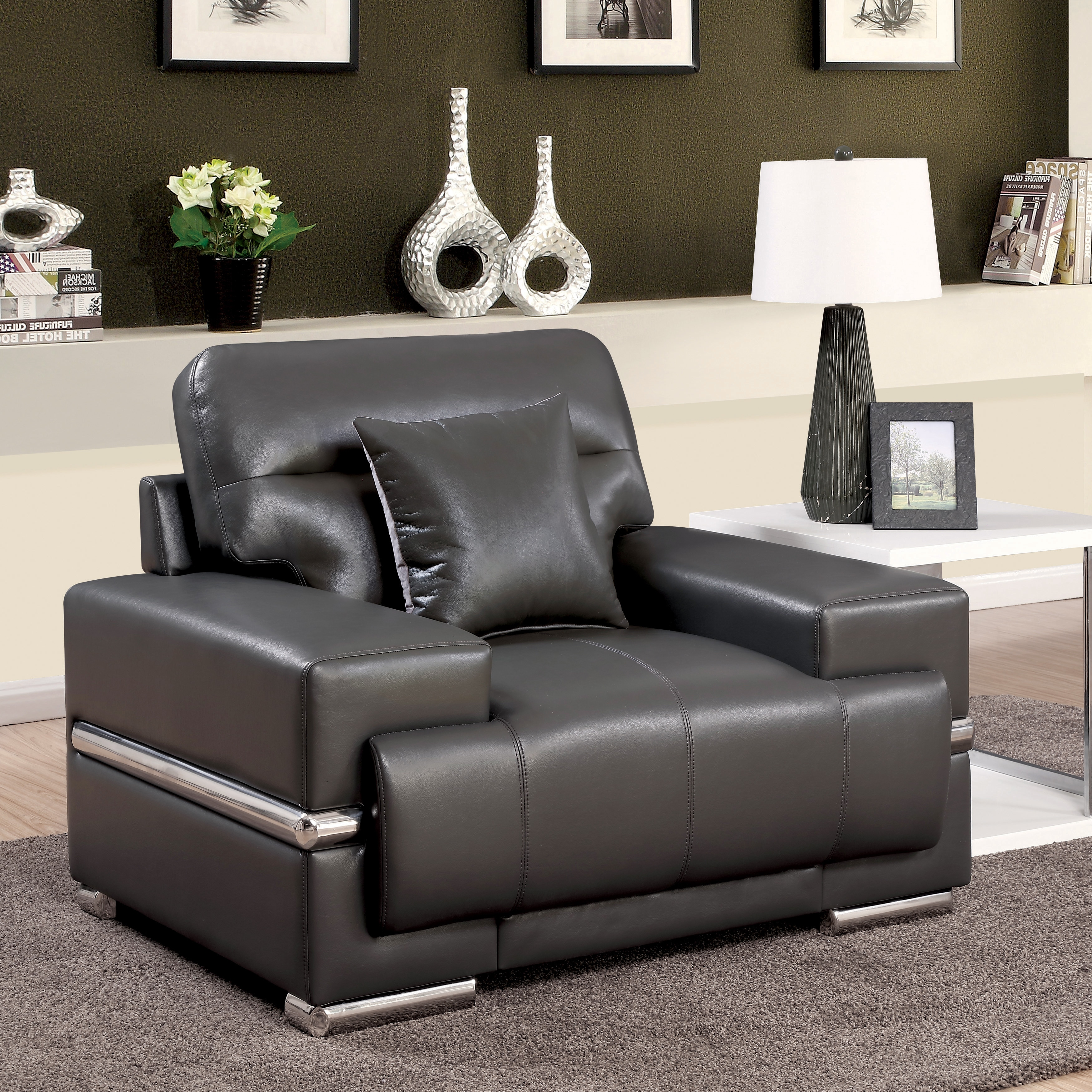 Furniture of America  Vernan Modern Tufted Breathable Leather Arm Chair Black