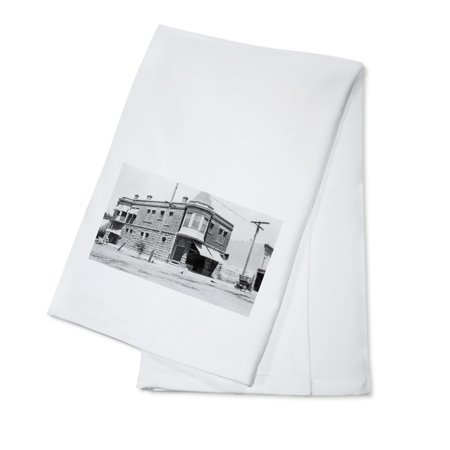 Colusa, California - Fifth and Jay Street Corner View of Pirkey Bldg (100% Cotton Kitchen Towel)
