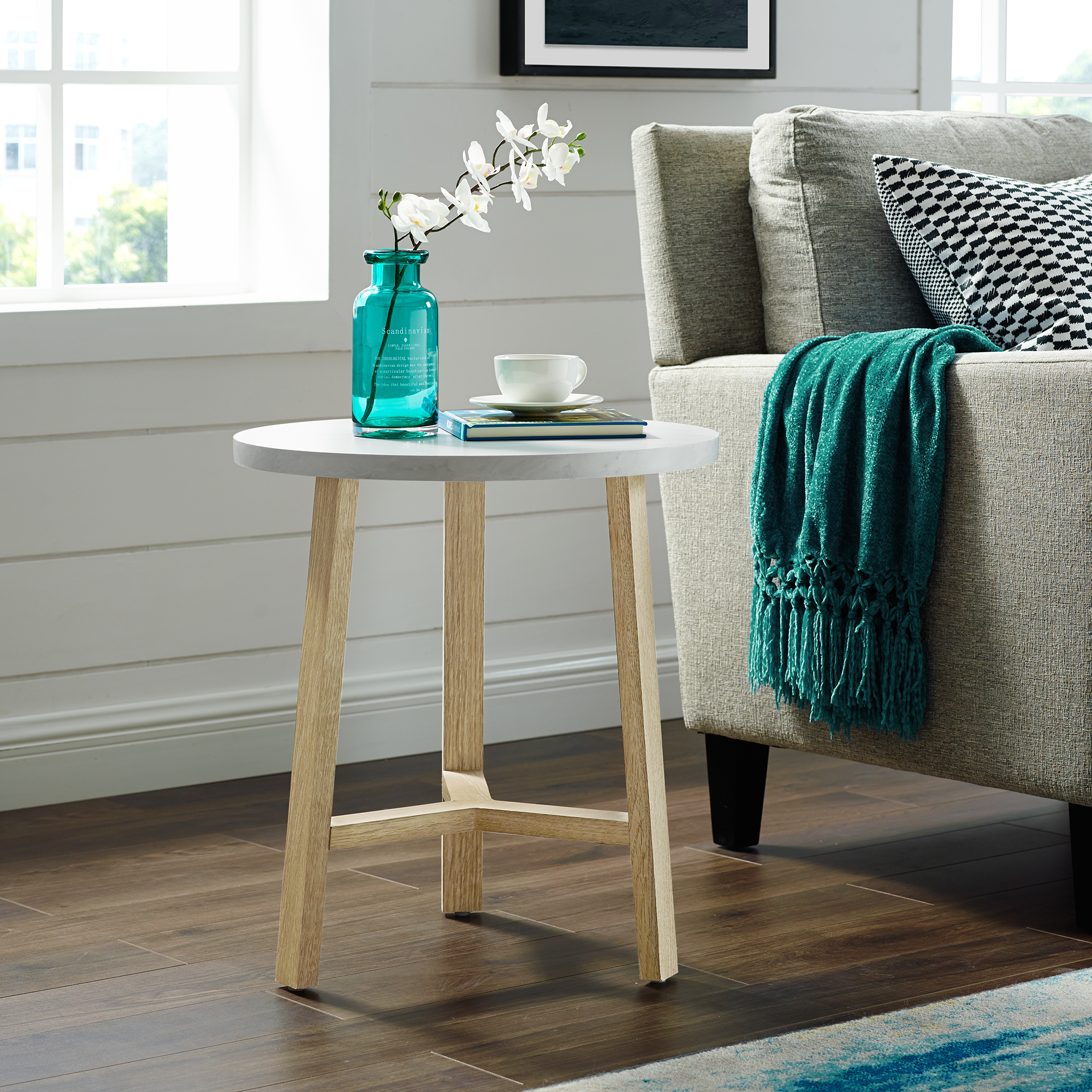 "Manor Park 20"" Mid-Century Modern Round Side Table - White Marble/Light Oak"