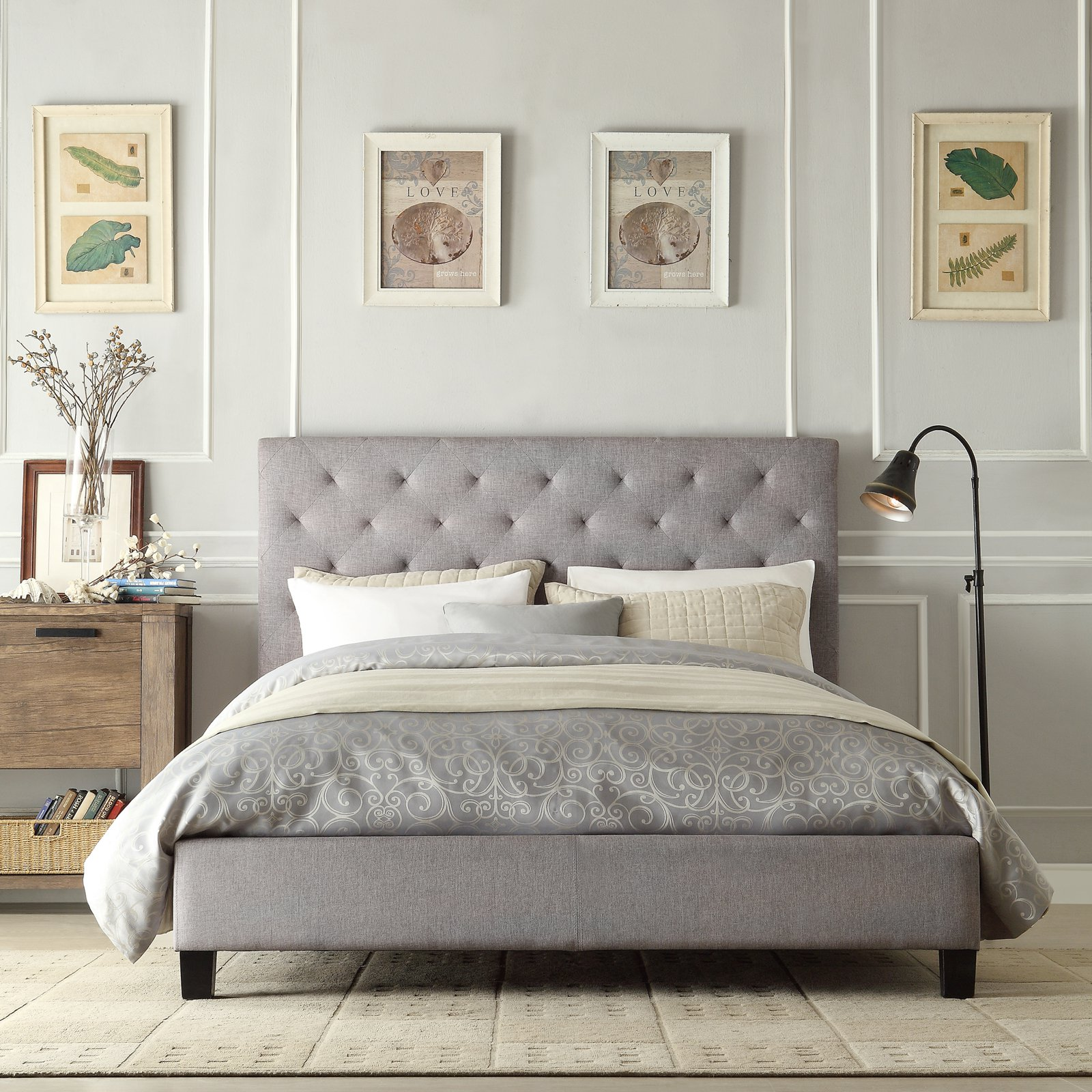 Chelsea Lane Baxter Upholstered Platform Bed