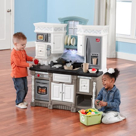 Step2 Lifestyle Dream Play Kitchen with 37 Piece Play Food Accessory Set
