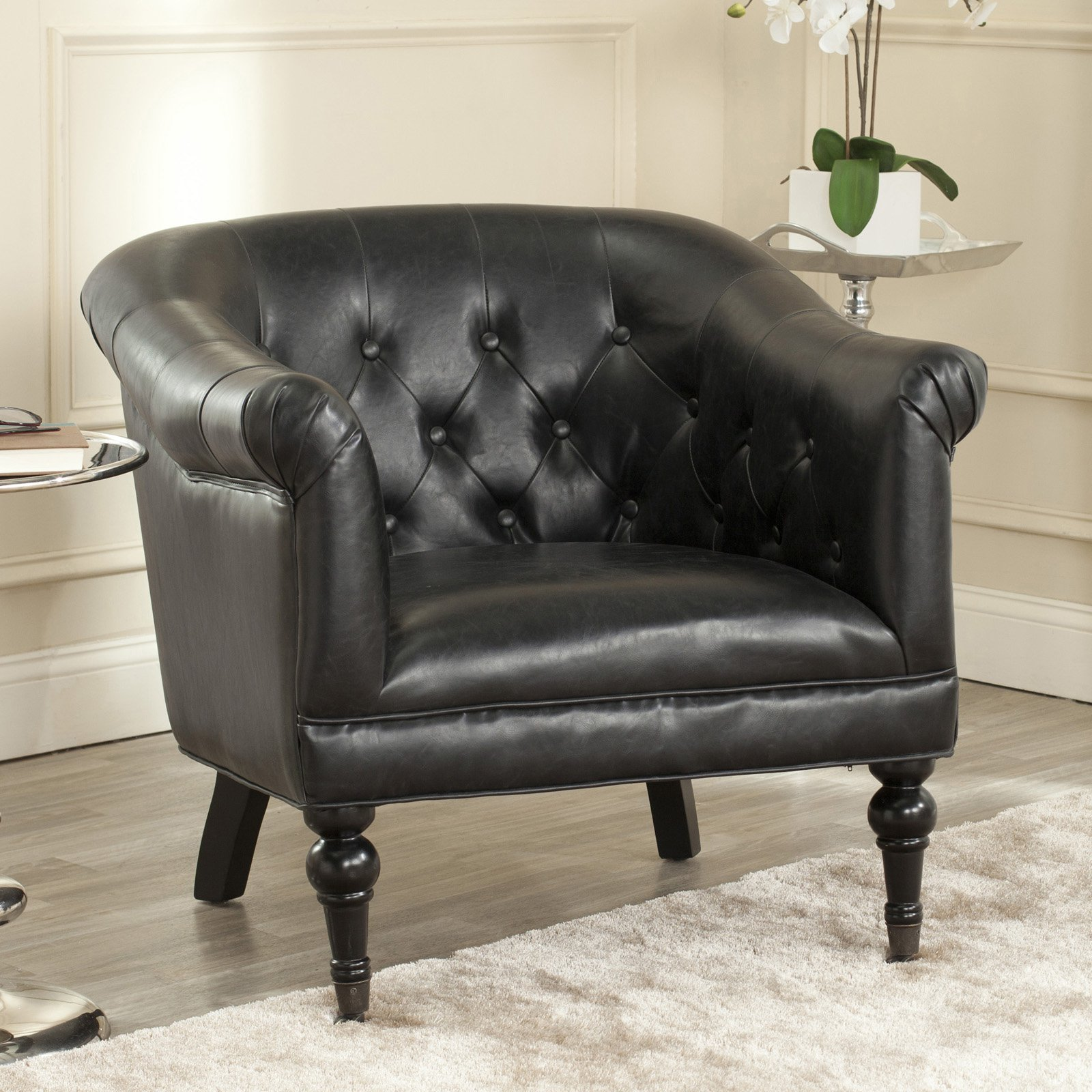 Safavieh Nicolas Tufted Club Chair
