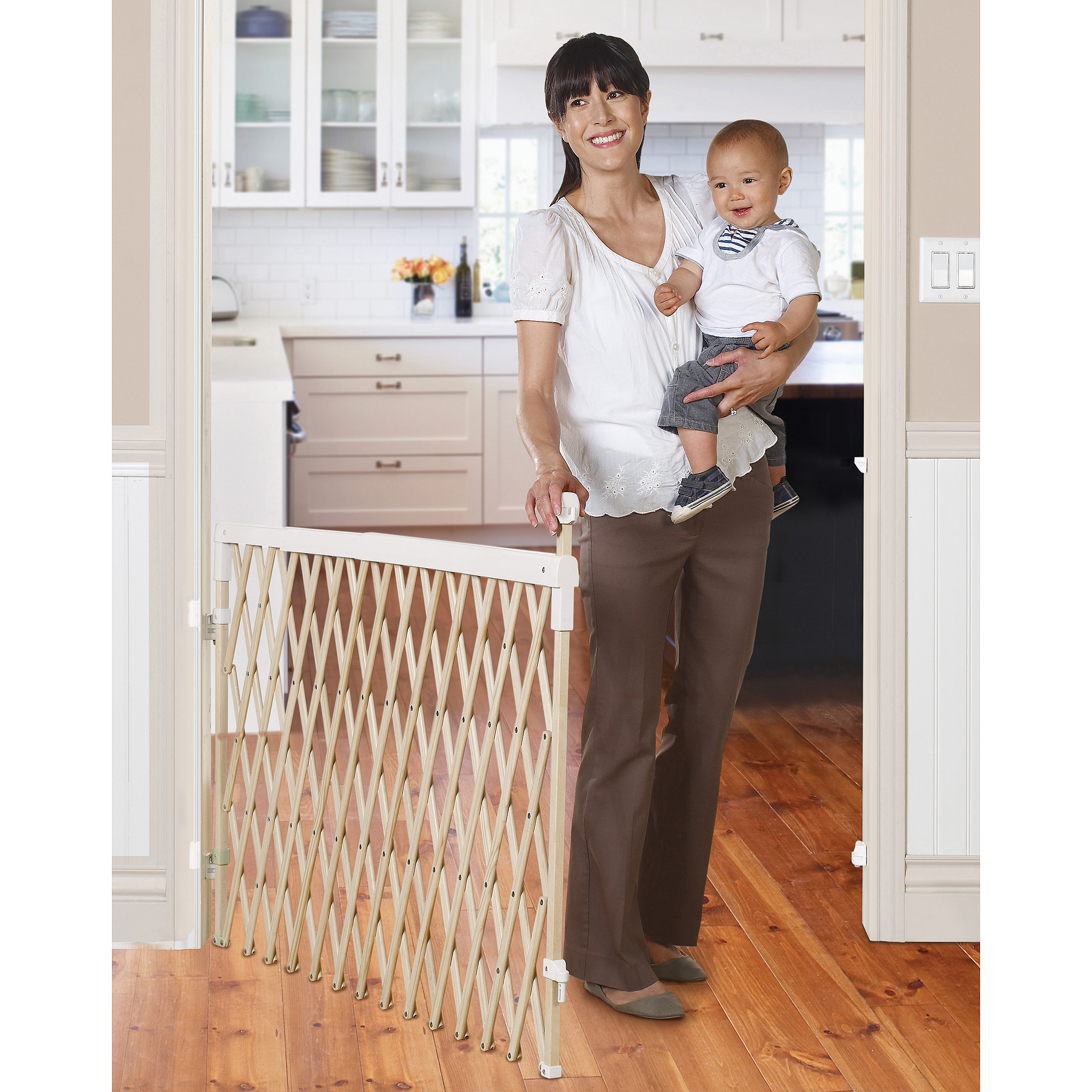 Munchkin Wide Spaces Expanding Gate Model 36003