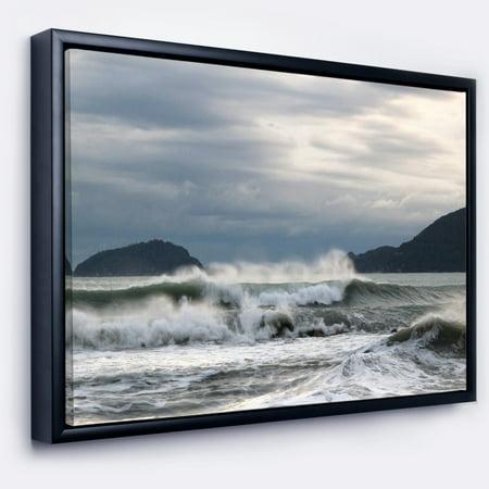 DESIGN ART Designart 'Waves in Lerici Beach Italy' Seascape Framed Canvas Art Print