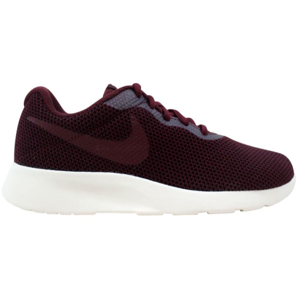 Nike Tanjun SE Night Maroon/Sail 844908