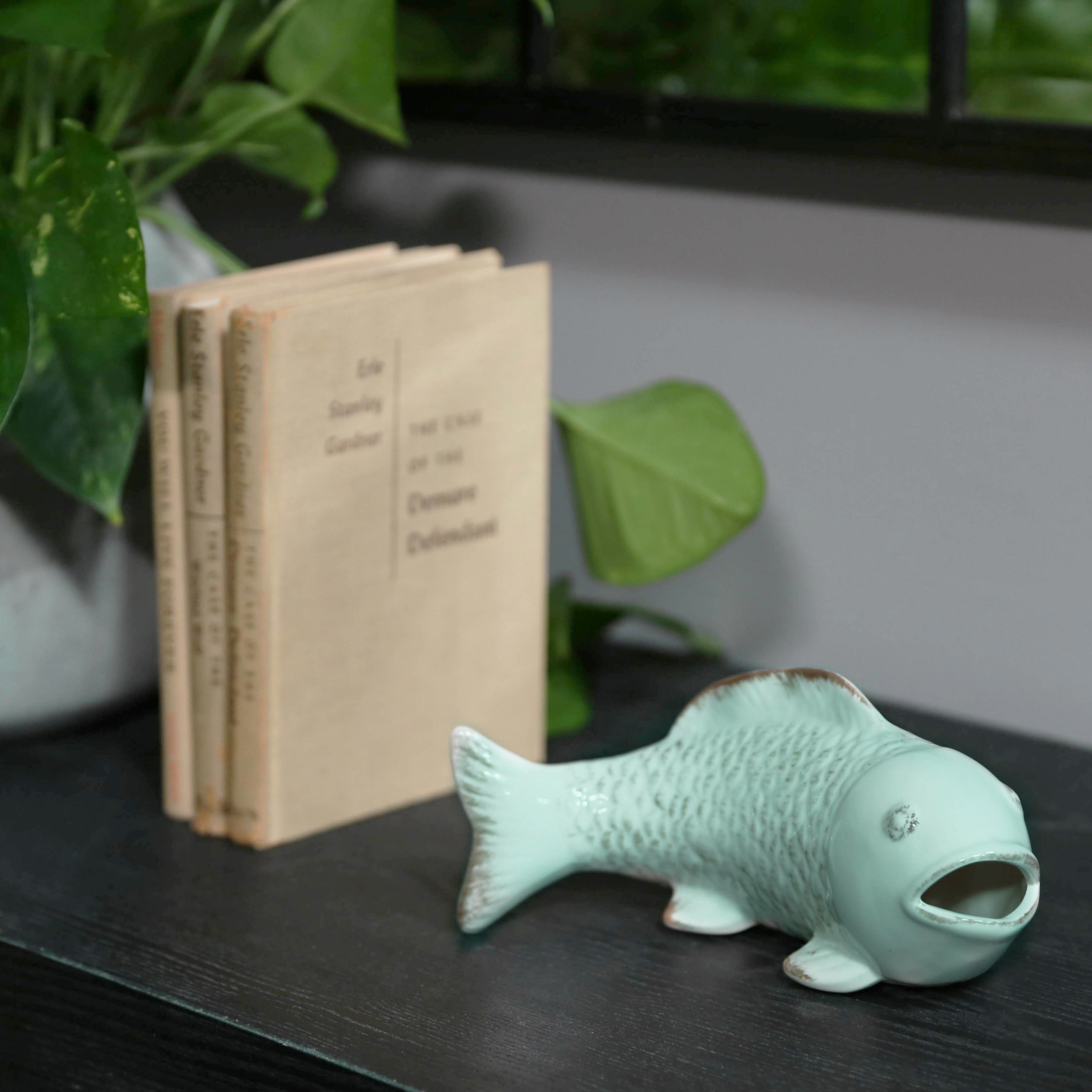 Urban Trends Collection: Ceramic Fish Figurine Gloss Finish