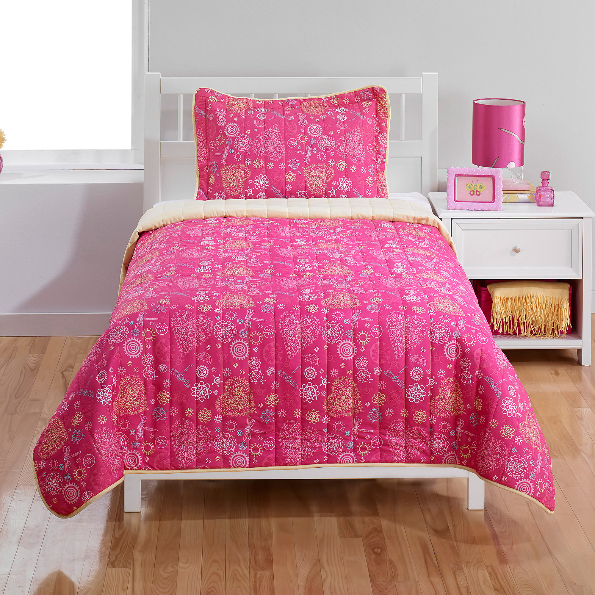 Coral Heart Bedding Quilt Set