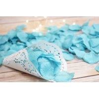 Quasimoon Turquoise Silk Rose Petals Confetti for Weddings in Bulk by PaperLanternStore
