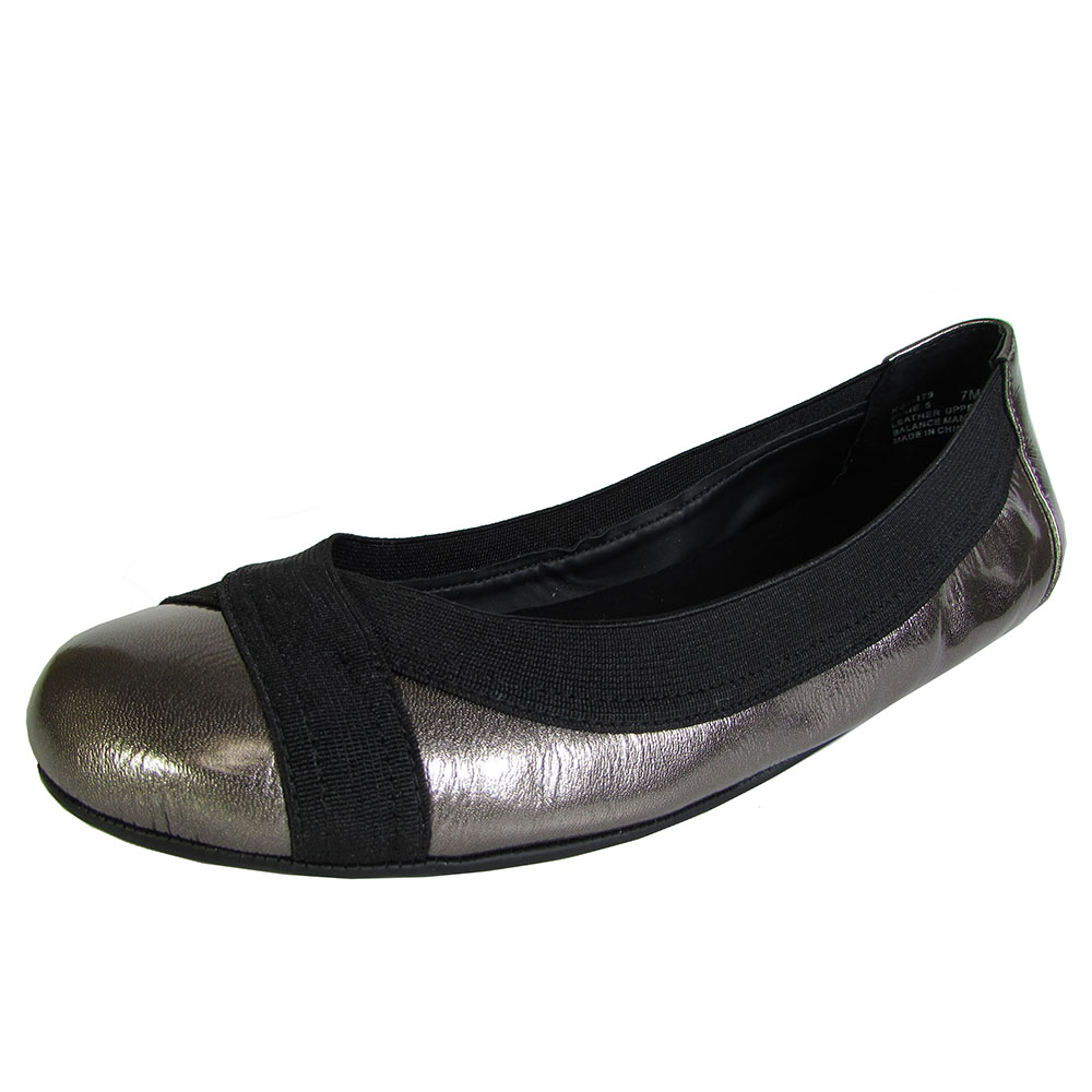 Adam Tucker by Me Too Womens Nixie Ballet Flat Shoe by Me Too