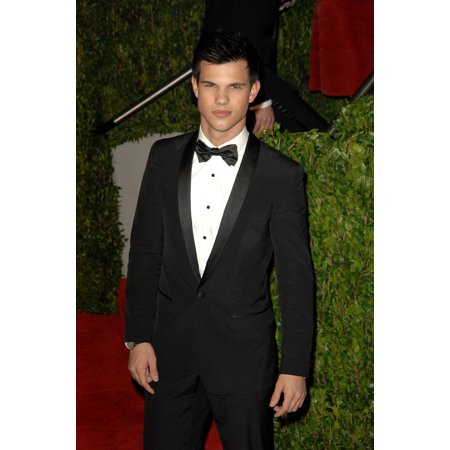 Taylor Lautner At Arrivals For Vanity Fair Oscar Party Sunset Tower Hotel Los Angeles Ca March 7 2010 Photo By Dee CerconeEverett Collection Celebrity