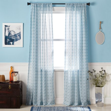 The Pioneer Woman Frontier Medallion Pole Top Curtain