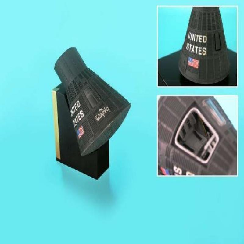 Daron E5224 Executive Desktop Mercury Capsule 1/24 Model
