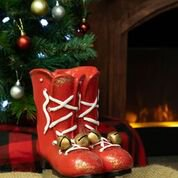 Alpine Corporation Christmas Ice Skates Planter with Metal Bells, Red ()