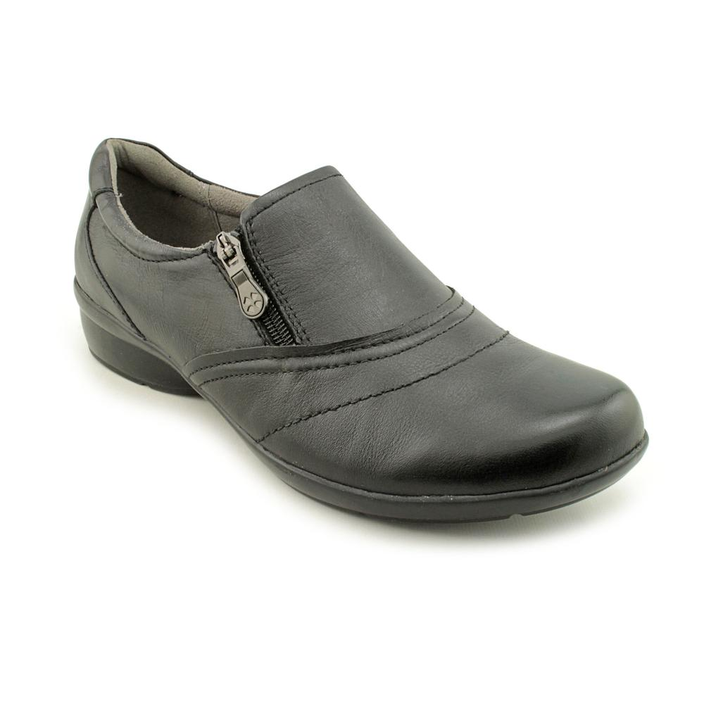 Naturalizer Clarissa W Round Toe Leather Loafer by Naturalizer