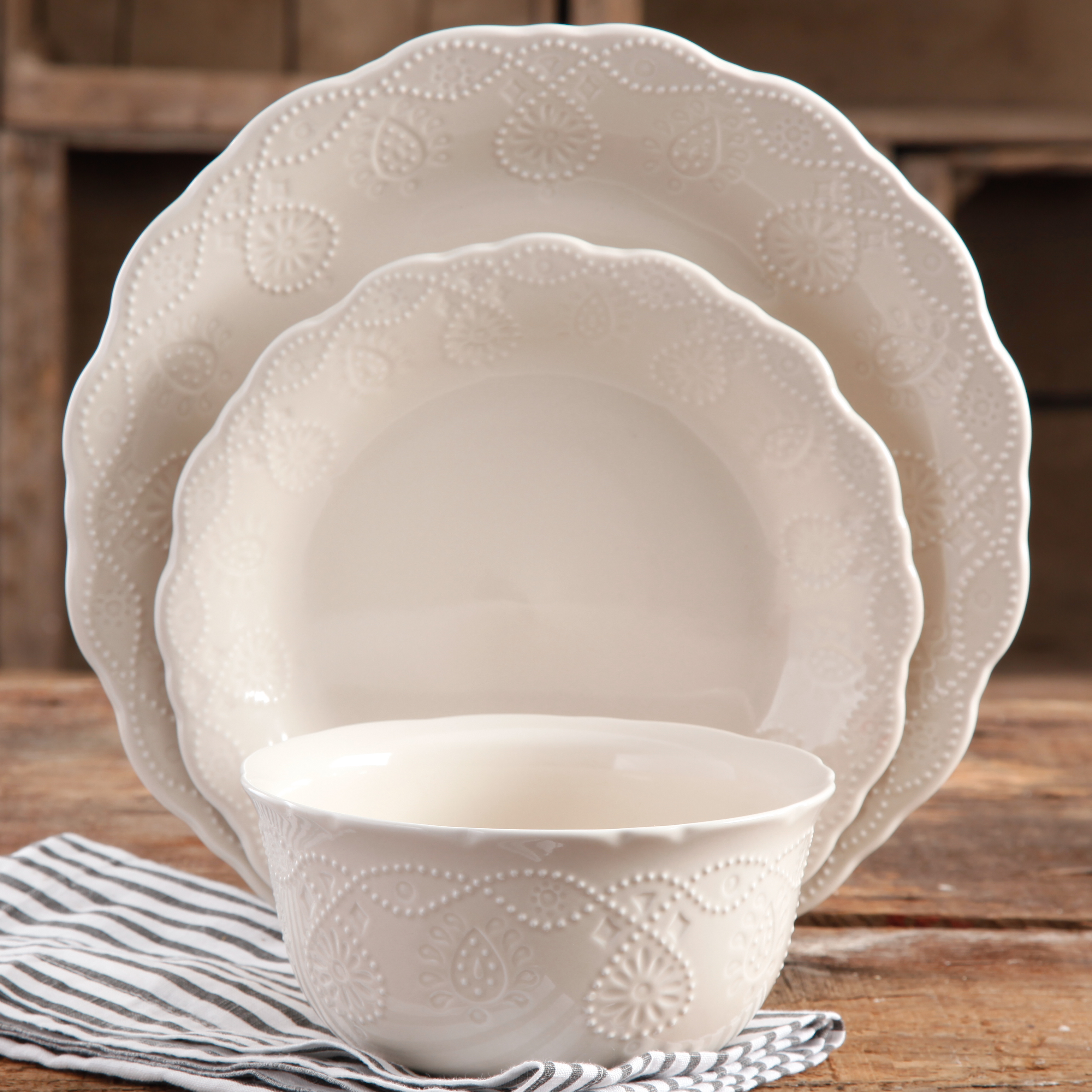 The Pioneer Woman Cowgirl Lace 12-Piece Dinnerware Set & The Pioneer Woman Cowgirl Lace 12-Piece Dinnerware Set - Walmart.com