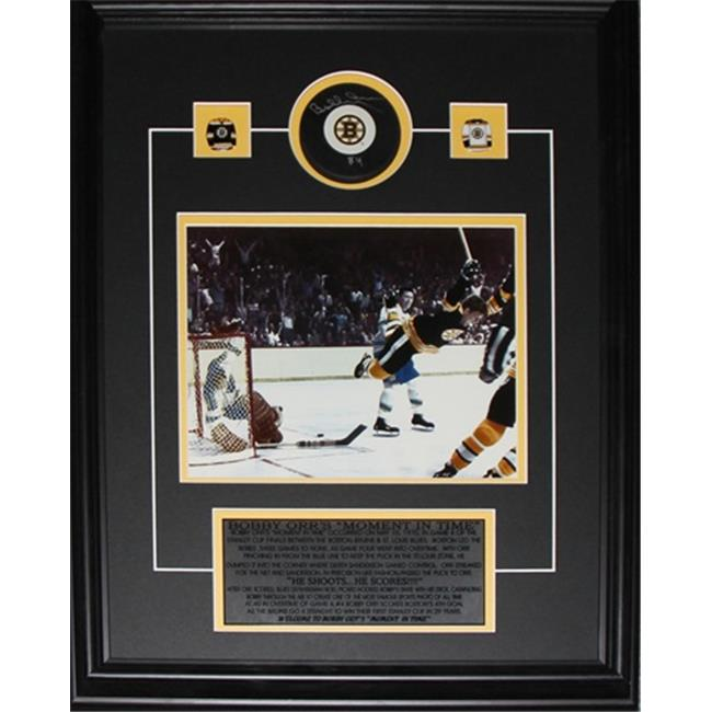 Midway Memorabilia Bobby Orr Boston Bruins Signed Puck With 8X10 Frame