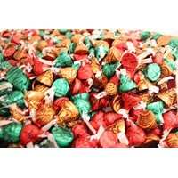 Hershey's Holiday Caramel Filled Kisses, Christmas Colors Red Green and Gold, 5 Pounds