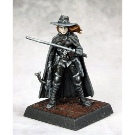 Reaper Miniatures Vampire Hunter #60164 Pathfinder Miniatures Unpainted D&D Mini ()