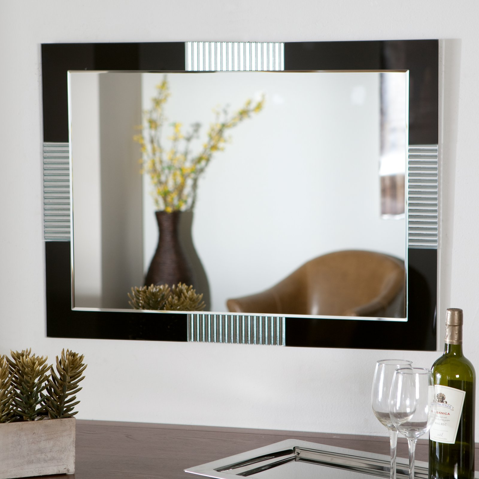 Décor Wonderland Francisco Large Wall Mirror - 23.6W x 31.5H in.