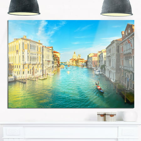 DESIGN ART Vibrant Evening Venice Italy - Cityscape Glossy Metal Wall Art 40 in. wide x 30 in. - Italy Design