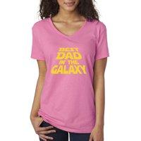 Trendy USA 715 - Women's V-Neck T-Shirt Best Dad in The Galaxy Star Wars Opening Crawl XL Kelly Green