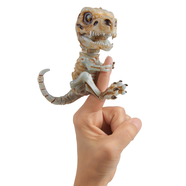 Fingerlings untamed bonehead skeleton t-rex doom (ash) by wowwee