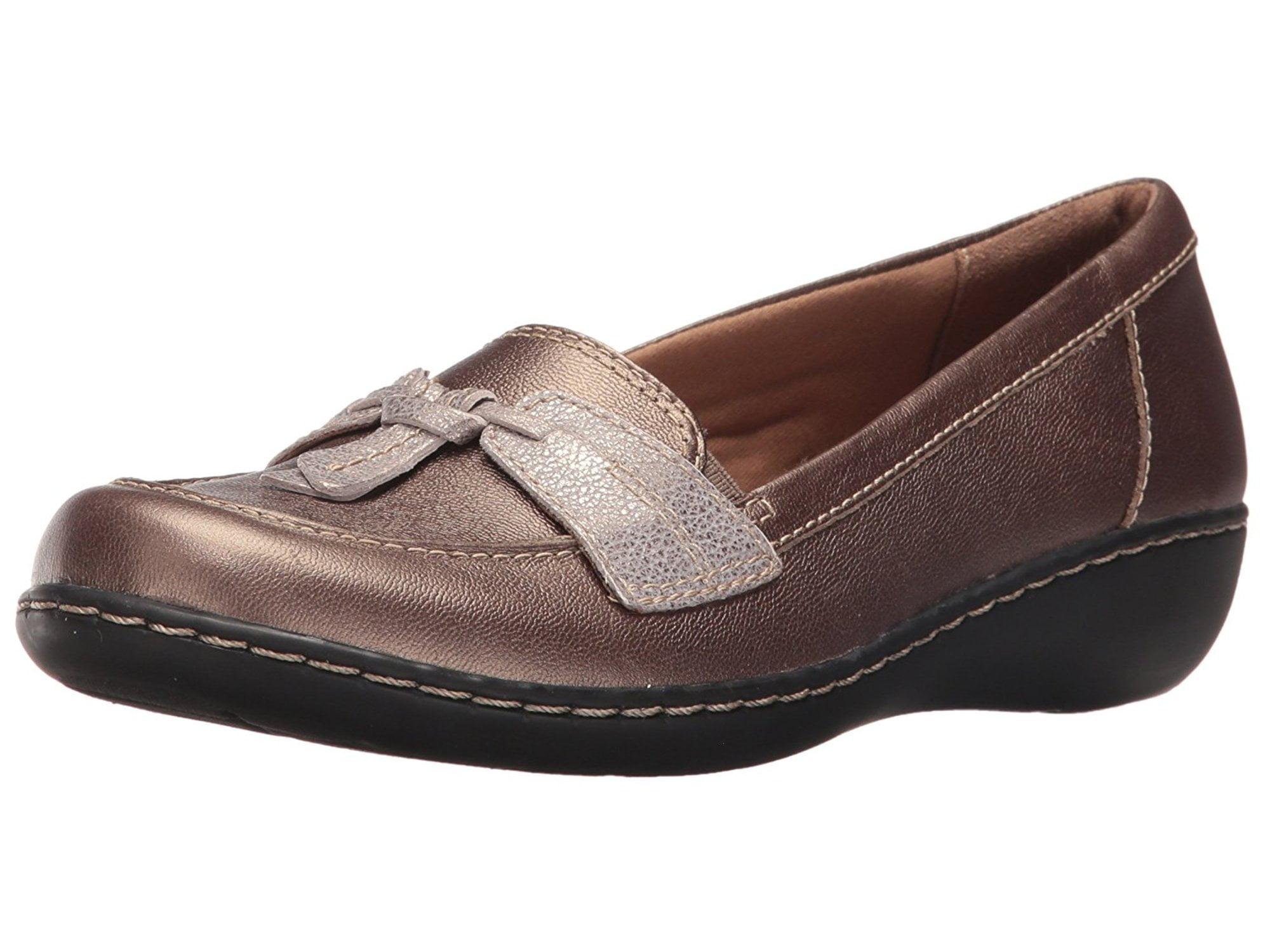 2202e0256a3 Clarks Womens Ashland Bubble Leather Closed Toe Loafers
