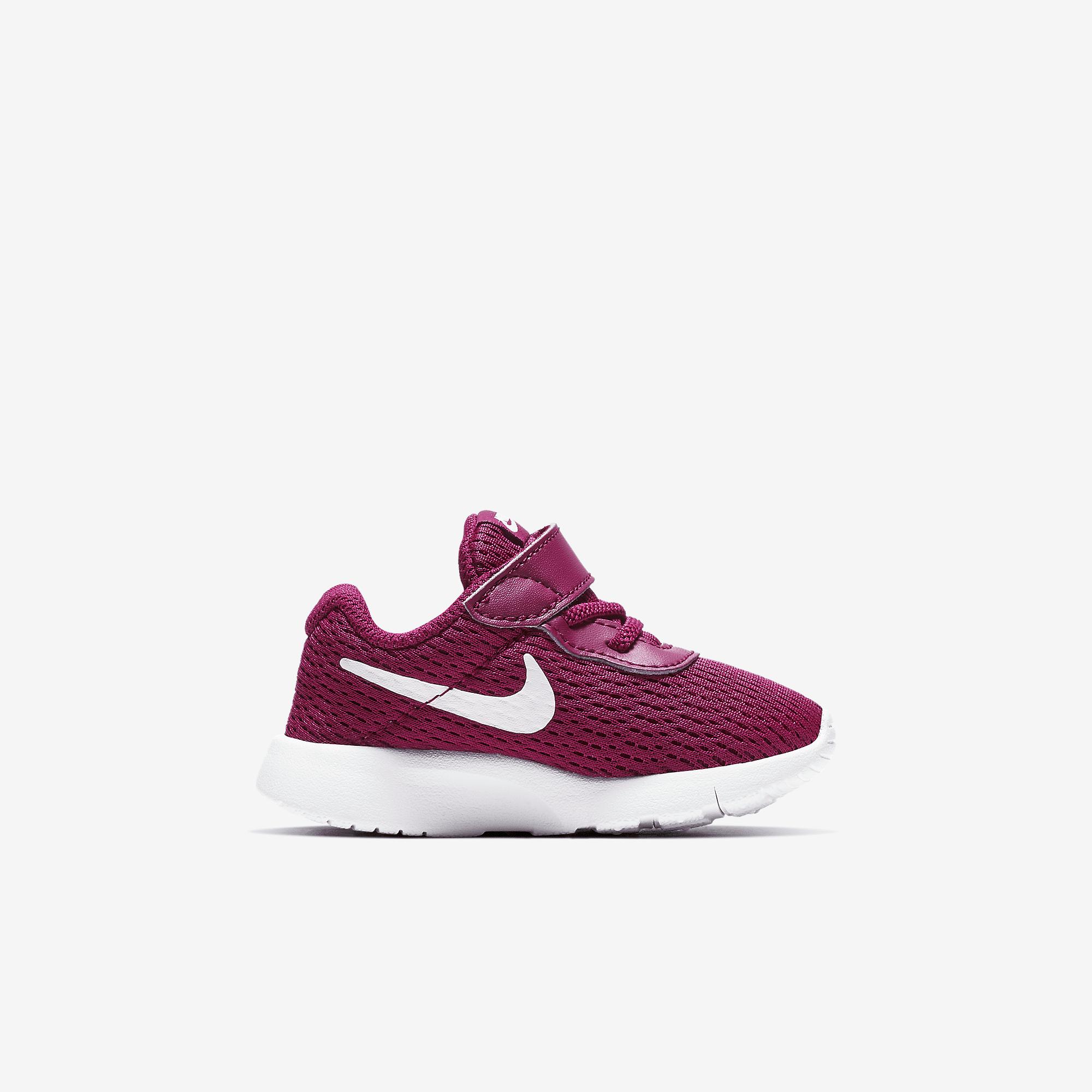 Nike Baby Girls Tanjun Sneaker Black 818386 606