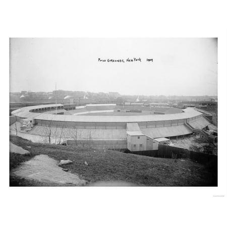New York Giants Baseball Polo Grounds (Polo Grounds, NY Giants, Baseball Photo - New York, NY Print Wall Art By Lantern Press)