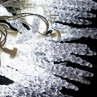 ALEKO Christmas Crystal Cluster Icicle Lights - 25 LED - 13 Foot - Clear