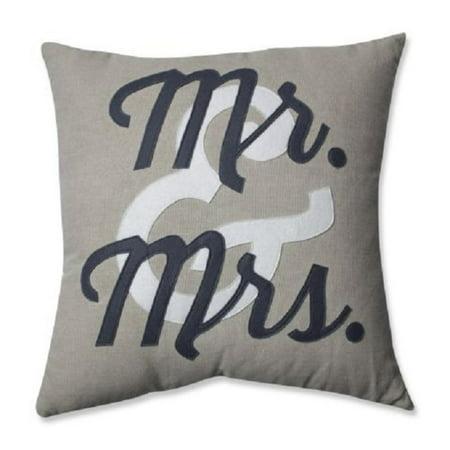 Mr & Mrs Pillows (18