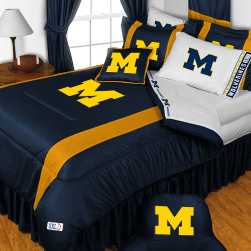 Store51 Llc 12442647 Ncaa Michigan Wolverines Bedding Set College Football Bed