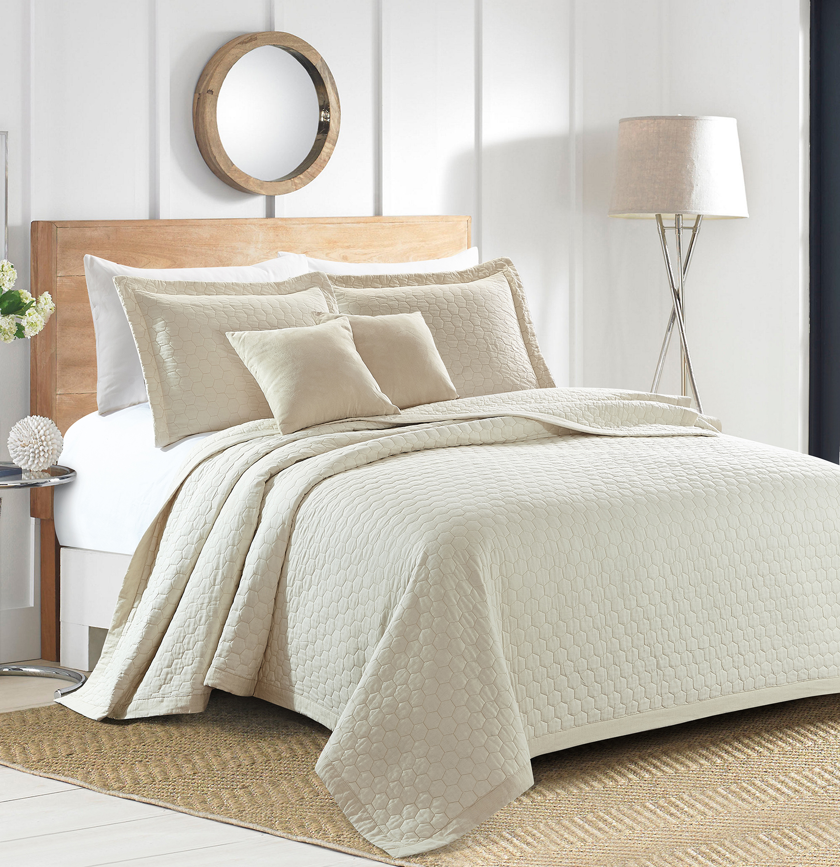 Sherry Kline Rombo Embroidered 3-piece Cream Queen Cotton Quilt Set