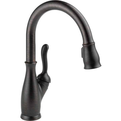 delta leland kitchen faucet with pull down spray
