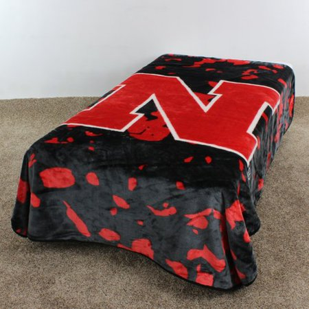 College Covers NCAA Nebraska Throw - Nebraska Huskers Blanket