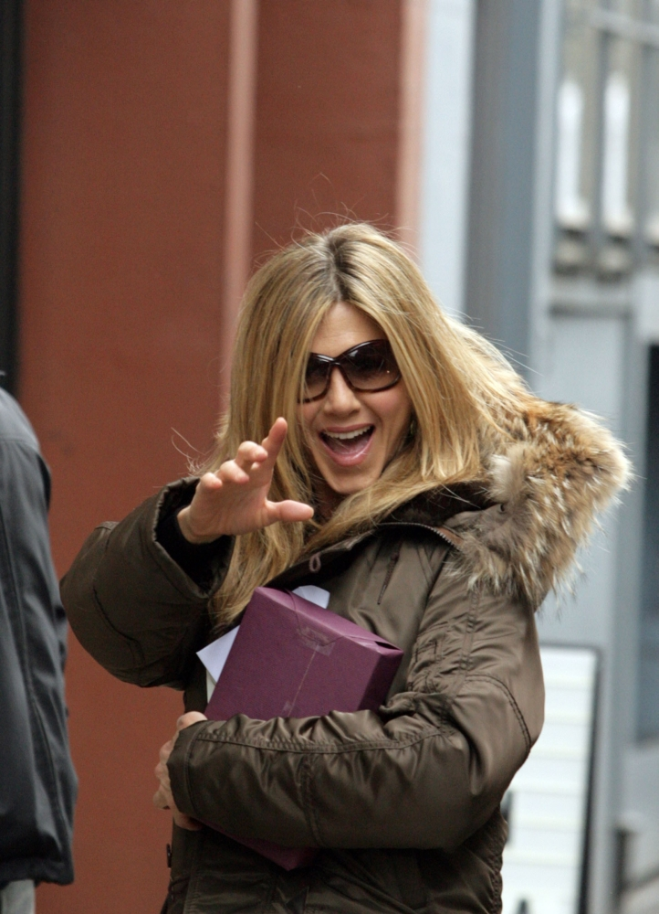 Jennifer Aniston On Location For Jennifer Aniston On The Set Of The Baster Streets Of Manhattan New York Ny... by Everett Collection