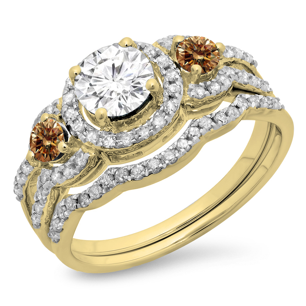 1.40 Carat (ctw) 10K Yellow Gold Round Champagne & White Diamond Ladies 3 Stone Halo Bridal Engagement Ring With Matchin