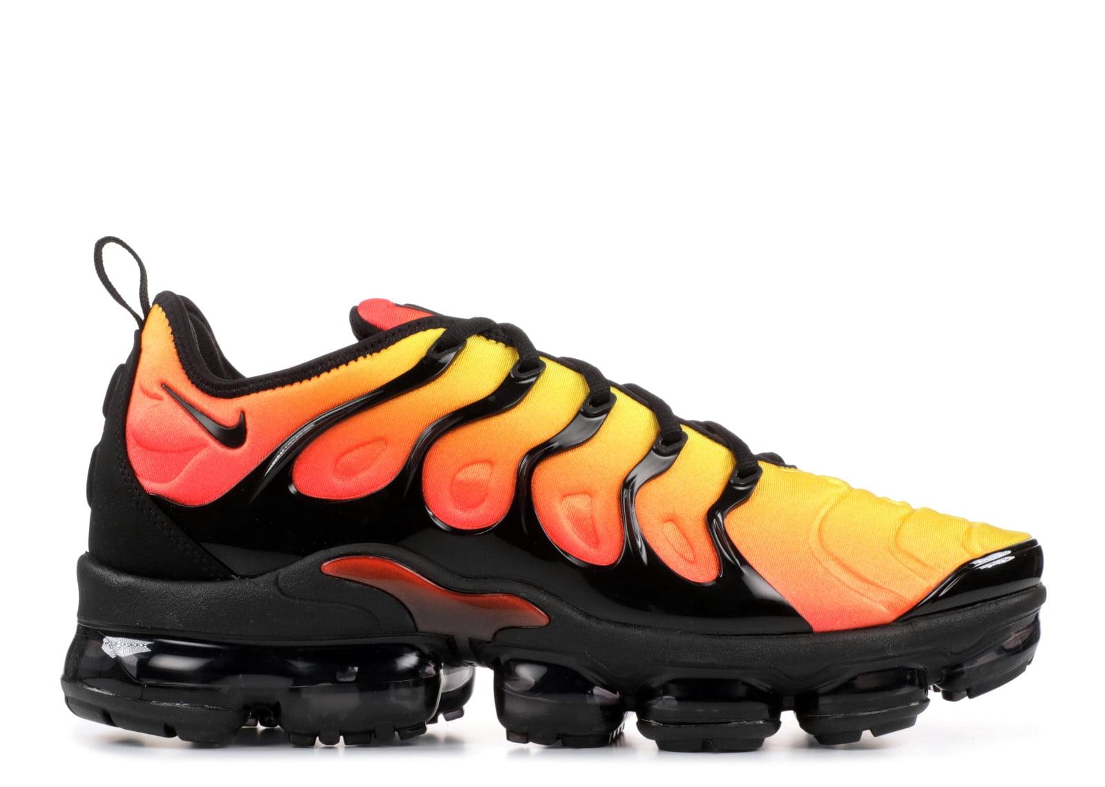 air max vapormax plus black and orange