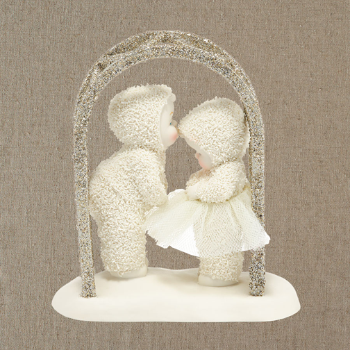 Department 56 Snowbabies 4039774 A Kiss For Luck 2014