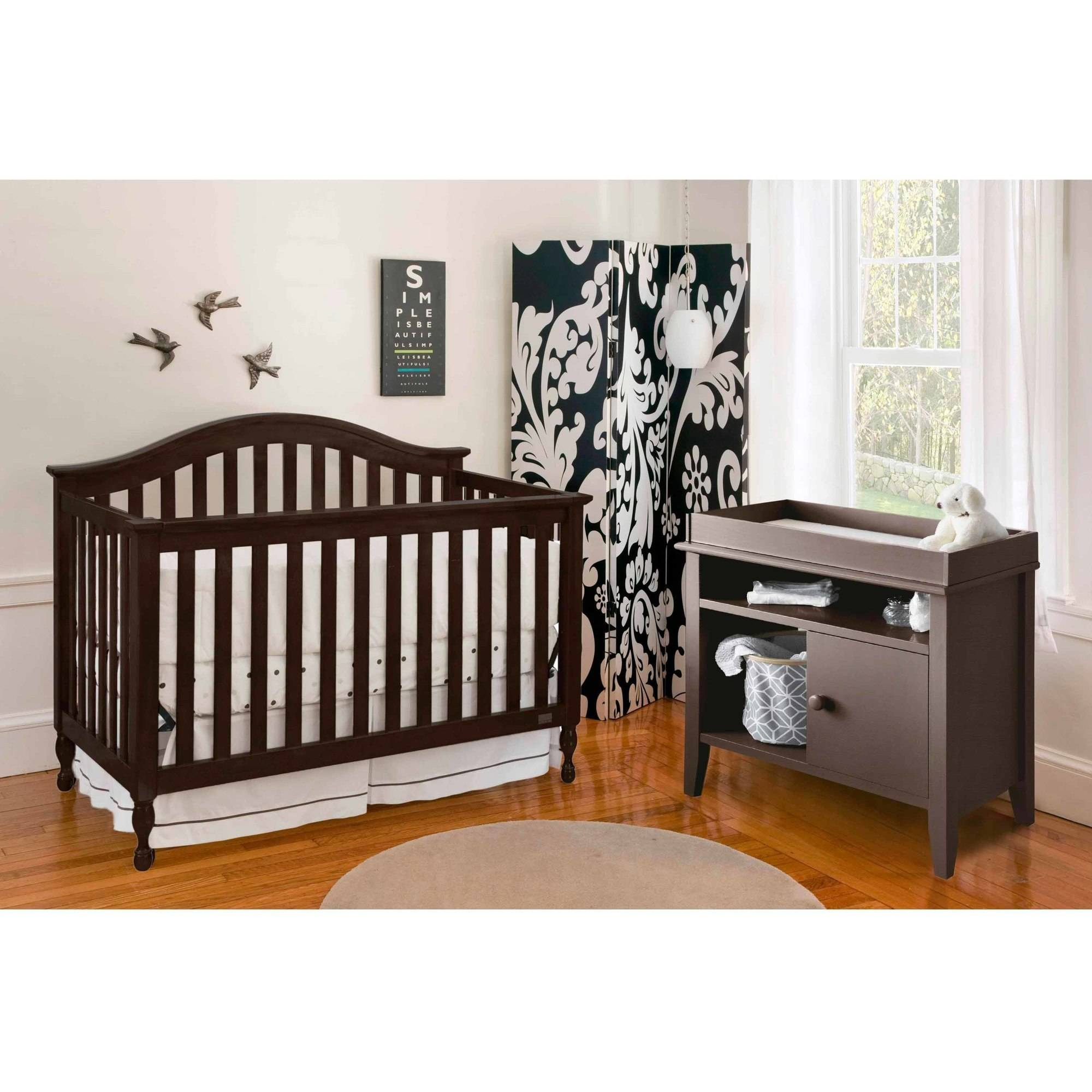 Lolly and Me Bailey 4-in-1 Fixed Side Convertible Crib, Acorn