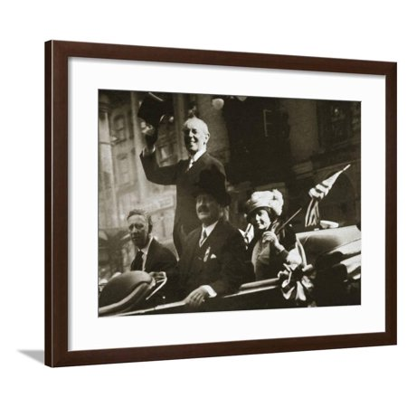 Woodrow Wilson returns from Paris after the signing of the Treaty of Versailles, 1919 Framed Print Wall (Art To Frames Returns)