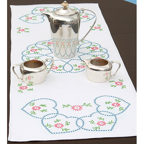"Jack Dempsey Starburst Of Hearts Stamped Table Runner, 15"" x 42"""