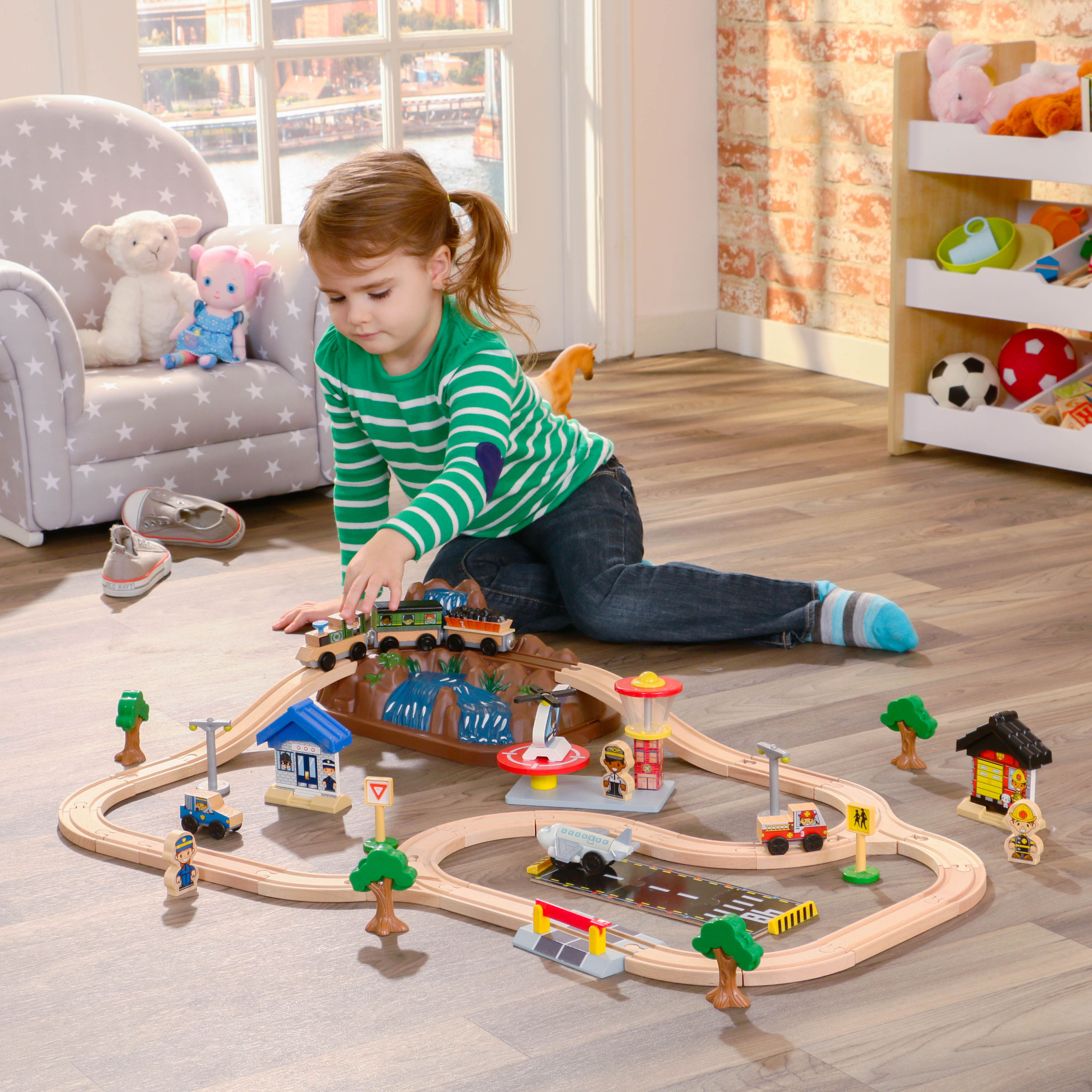 KidKraft Bucket Top Mountain Train Set with 61 accessories included by KidKraft