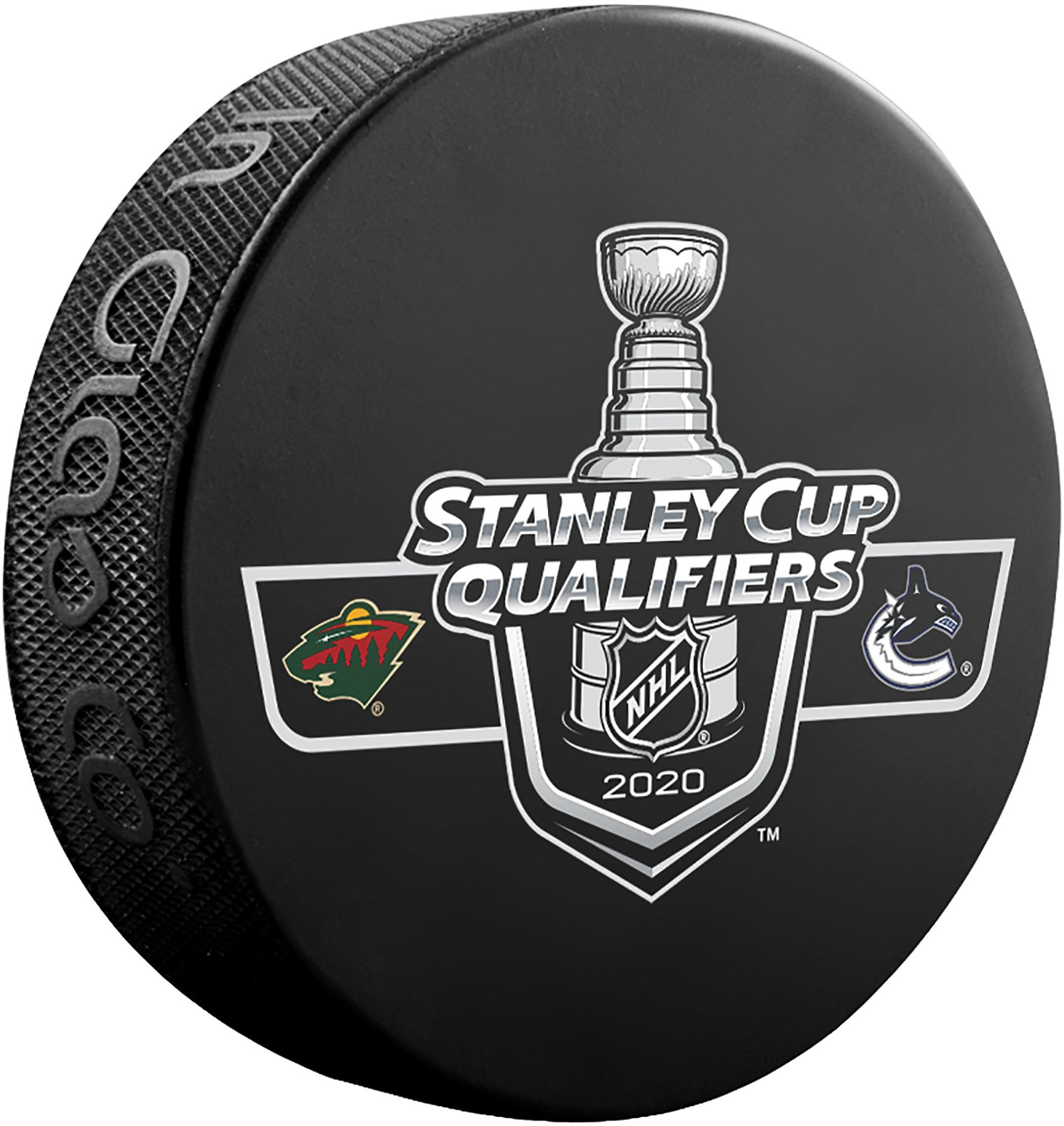 Inglasco Jets Official Game Hockey Puck in Cube