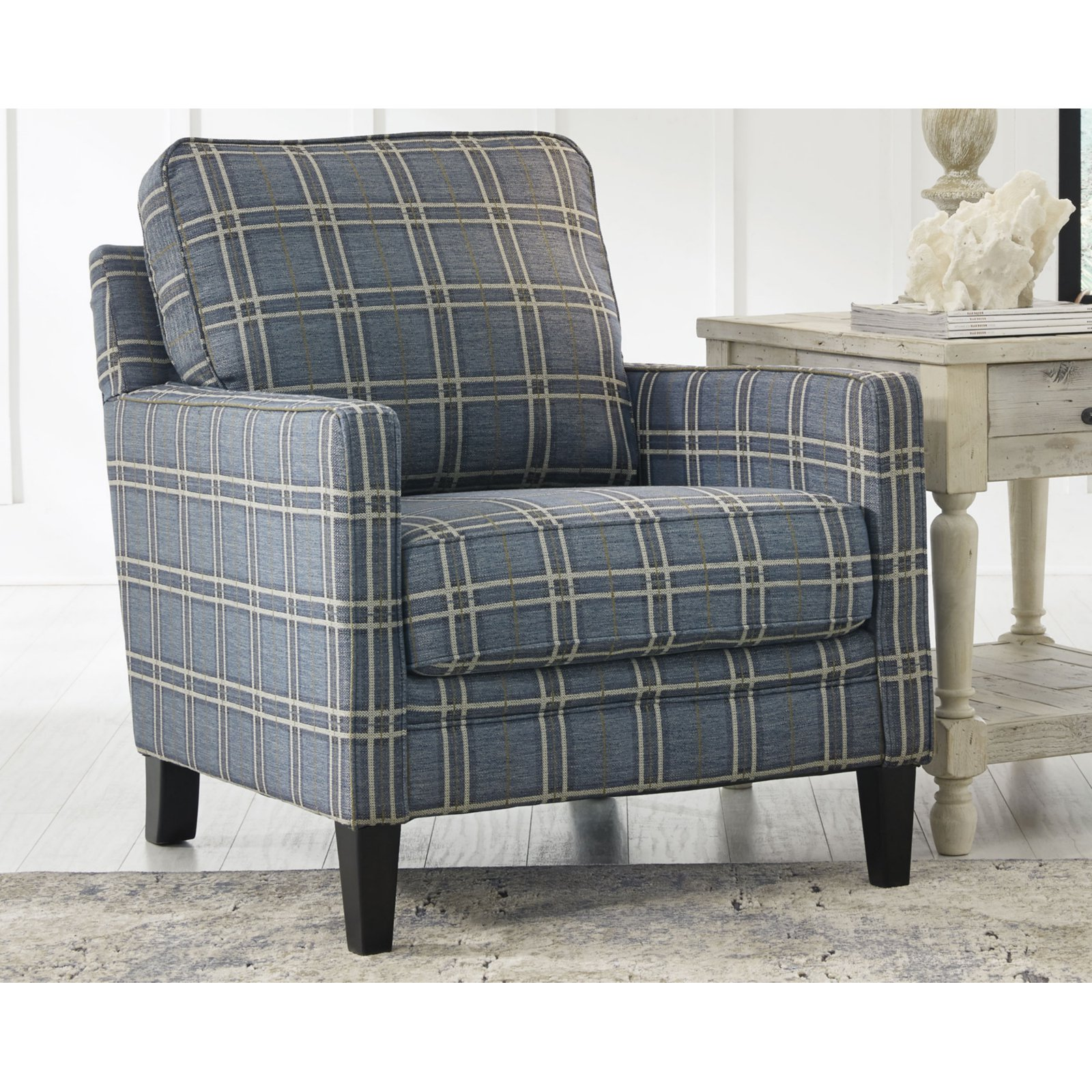 benchcraft traemore plaid accent arm chair walmart com rh walmart com Office Accent Chairs Elegant Accent Chairs